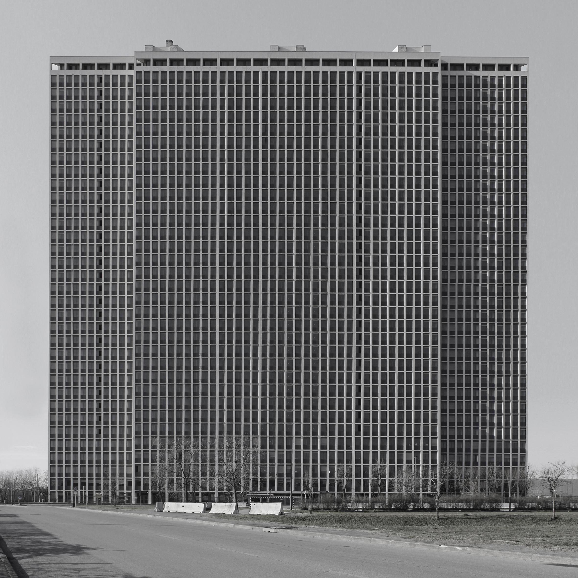 dritan-hyska-objekt-18-2013-c-print-on-dibond-100x100cm-courtesy-of-artist